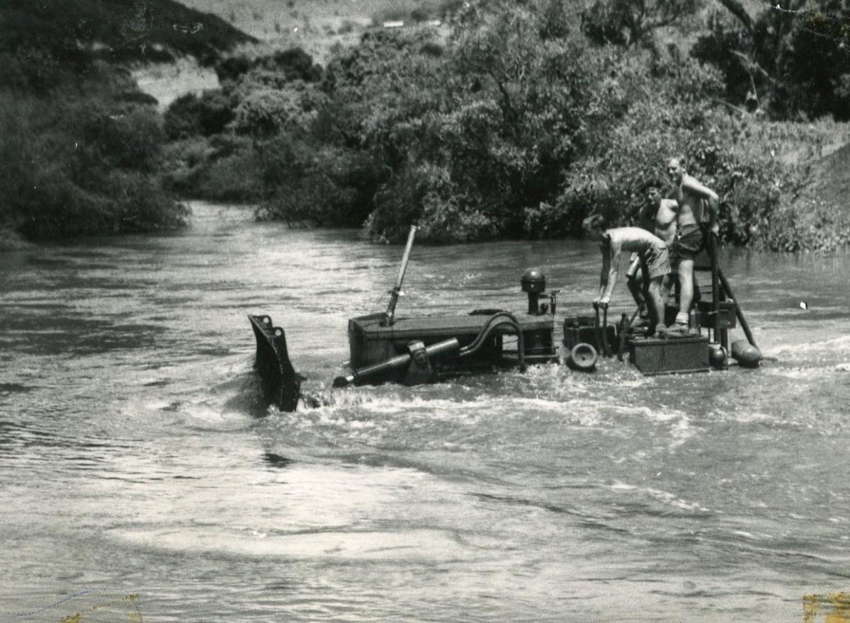 Main road to Meru